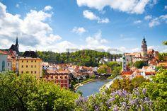 Sch ne Aussicht auf Turm von Cesky Krumlov Tschechische Republik Lizenzfreie…