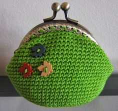 Free Fall Crochet Coin Purse Pattern