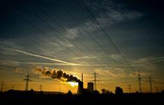 Kanada sulkee kivihiiltä polttavat voimalaitoksensa vuoteen 2030 mennessä, maan ympäristöministeri Catherine McKenna kertoi maanantaina