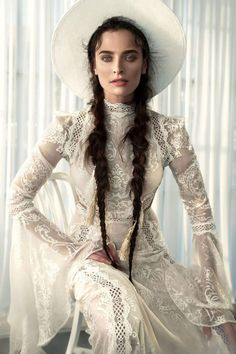 Boho Is Always a Good Choice for Summer 15 Boho Wedding Dresses. Boho Is Always a Good Choice for Summer – Boho wedding dress and white hat! Black Wedding Dresses, Boho Wedding Dress, Wedding Gowns, Black Weddings, Wedding Black, Wedding Ceremony, Turtleneck Wedding Dress, Wedding Dress Trumpet, Look Gatsby