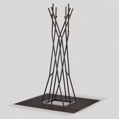 Corset Arbora - sculptural tree support and grate