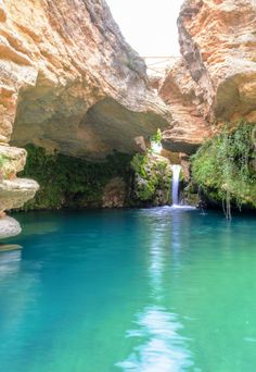 Salto del Usero near Bullas Spain by Antonio Sánchez. Murcia, Beautiful World, Beautiful Places, Natural Waterfalls, British Overseas Territories, Some Beautiful Pictures, World Photo, Turquoise Water, Water Features