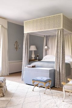 A handstome four poster bed with luxurious folds of fabric is a striking presence in the master bedroom. This bedroom and four principal spare rooms occupy the first floor of the Georgian wing and have a classically country-house feel. Home Bedroom, Bedroom Decor, Master Bedrooms, Country Modern Home, Country Life, Country Chic, Modern Rustic, Pretty Bedroom, Beautiful Bedrooms