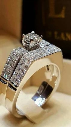 Diamond Jewelry, Jewelry Rings, Jewellery, Pandora Jewelry, Wedding Ring Bands, Wedding Jewelry, Bling Bling, Beautiful Rings, Fashion Rings