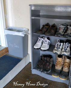 37d19681124f1f Shoe Organization Idea for Garage http   fantabulosity.com Garage Shoe  Storage