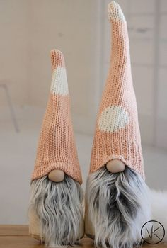 Nordic Gnome in beautiful muted ScandiPink This listing is for one Large Gnome Each gnome has light beige/ cream linenbody and Scandi Pink knit hat. Soft faux fur beard in frosted gray brings a soft touch to this modern gnome. SIZE: LARGE 16 there will be variation on pattern placements