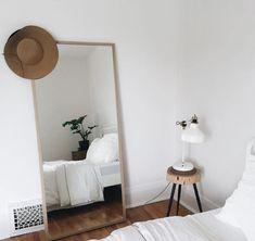 Slaapkamer met spiegel