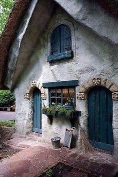 Door and trim color