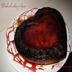 Pudin de sobaos y fresas con forma de corazón. #recetas #postres #pudin #thermomix