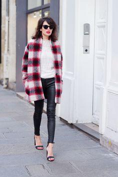 Fashion is a Playground en slim cuir et manteau tartan très fashion