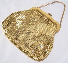 Vintage Whiting Davis Gold Mesh Purse Bag by GretelsTreasures    #vogueteam #etsygift