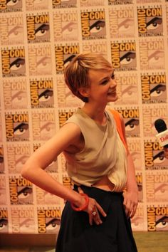 Carey Mulligan - Pixie Hair I've had my hair cut like this. Only takes minutes to do in the morning. But there is only one thing you can do with your hair. Brenda Dunlap