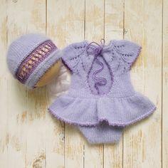 New Baby Girls, Baby Girl Newborn, Lace Knitting, Knitting Patterns, Knit Baby Dress, Baby Girl Christmas, Baby Girl Crochet, Newborn Photo Props, Knitted Hats