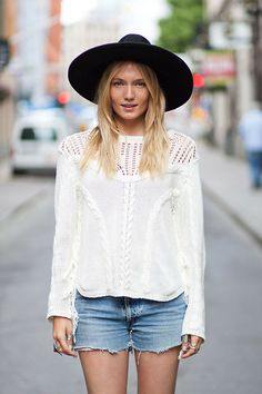 Fall wardrobe essential (that I can't make): Wide brimmed hats - Bohemian, Boho Chic And Hippie Fashion Fashion Moda, Boho Fashion, Womens Fashion, Fashion Trends, Fashion Wear, Rock Chic, Fall Wardrobe Essentials, Summer Essentials, Dior