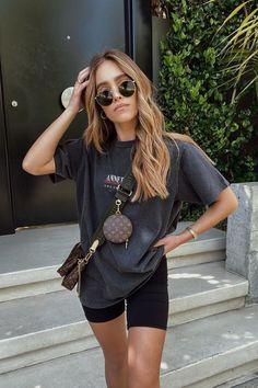Hipster Graphic Tees, Graphic Tee Outfits, Graphic Tee Style, Cute Casual Outfits, Short Outfits, Fall Outfits, Grunge Outfits, Best Summer Outfits, Hipster Girl Outfits