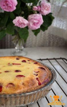 Открытый пирог с клубникой и сметанной заливкой Muffin, Food And Drink, Menu, Pie, Pudding, Baking, Breakfast, Desserts, Recipes