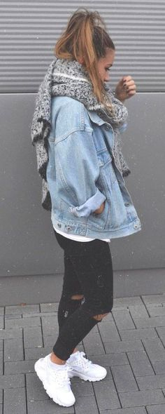 Basic Outfits, Mode Outfits, Casual Outfits, Fashion Outfits, Sneakers Fashion, Fashion Clothes, Jackets Fashion, Women's Sneakers, White Sneakers