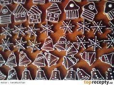 zdobení perníčků vzory - Hledat Googlem Gingerbread Cookies, Holiday Decor, Desserts, Food, Google, Gingerbread Cupcakes, Tailgate Desserts, Deserts, Essen