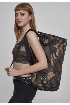 Urban Classics Bag in braun / khaki / mischfarben Camouflage, Urban Classics, Workout, Chesterfield, Streetwear Fashion, Sport Outfits, Under Armour, Farmer, Adidas Originals