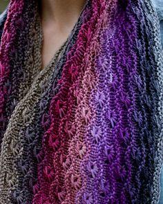 Ravelry: Starburst Cowl pattern by Rose Beck