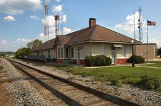 alma, georgia | Old Train Depot.