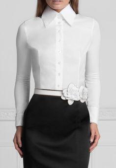 Pima Poplin Fitted T-Blouse with Collar : Armantine Classic White Shirt, Crisp White Shirt, High Collar Blouse, White Shirts Women, Pretty Shirts, Estilo Fashion, Monochrom, White Tops, Blouse Designs