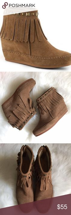 Crown Vintage moccasin wedge boots suede 9.5 Worn once. Run a little big on me. Excellent condition and SO CUTE crown vintage Shoes Moccasins