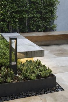 Marvelous Rooftop Garden Design Ideas You Must Have. Marvelous Rooftop Garden Design Ideas You Must Have Modern Landscaping, Outdoor Landscaping, Backyard Patio, Outdoor Gardens, Roof Gardens, Landscaping Trees, Privacy Landscaping, Outdoor Decor, Garden Spaces
