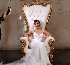 The Throne Chair is Classic & Luxury Furniture, Shop Now !The Throne Chair or in Indonesia is known as the Syahrini Chair. Beige Wedding Dress, Amazing Wedding Dress, Wedding Dresses, King Throne Chair, Queen Chair, Royal Chair, Pouf Design, Chair Pose, Chair Pictures