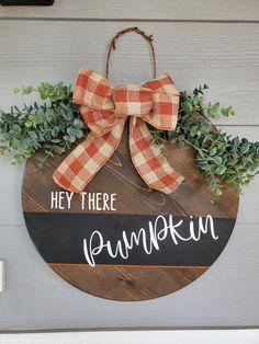 Fall Wooden Door Hangers, Wooden Door Signs, Halloween Door Hangers, Wooden Fall Decor, Fall Door Decorations, Halloween Decorations, Welcome Signs Front Door, Fall Wood Signs, H & M Home