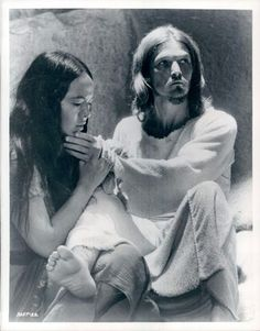 Yvonne Elliman and Ted Neely in Jesus Christ Superstar