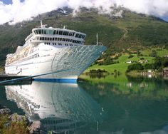 A lovely photo of the Balmoral in Olden. See our infographic 5 reasons to consider a Fred. Olsen Cruise here http://about2crui.se/FredOlsenCruises  Image courtesy of @fredolsencruise   #fredolsen #cruise #olden #norway