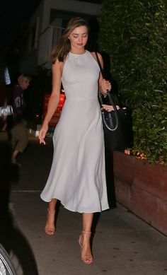 miranda kerr style best outfits - Page 31 of 100 - Celebrity Style and Fashion Trends Estilo Miranda Kerr, Miranda Kerr Style, Miranda Kerr Dress, Miranda Kerr Outfits, Classy Outfits, Formal Outfits, Look Fashion, Elegant Fashion Style, Elegant Chic