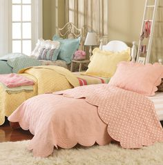 love. perfect for 3 little sisters who all want to sleep in the same room. Girls bedroom. Great colors & bedding!
