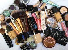 mac, nars, too faced, bobbi brown. a few of my favs when it comes to beauty. Love Makeup, Diy Makeup, Beauty Makeup, Makeup Looks, Hair Beauty, Makeup Stuff, Beauty Box, Makeup Kit, Makeup Ideas