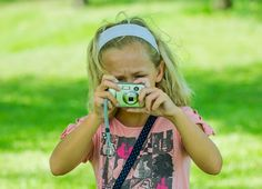 How to Have an Outdoor Photo Scavenger Hunt With Your Kids | Photo adventure: how to plan and organize an outdoor photo scavenger hunt with some hints to help you take great pictures.