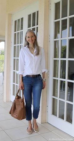 classic-fashion-over-40-oxford-cloth-shirt-skinny-jeans-janis-lyn-johnson