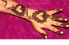 Hi friends, my beautiful heart shaped and other deisgns of latest henna mehandi collections for 2013 valentine's day celebration. Do you all like my mehandi designs collecitons? 2013 Lover's day special and latest henna mehndi designs for hands 2013 … Henna Hand Designs, Modern Mehndi Designs, Beautiful Mehndi Design, Mehndi Design Images, Mehndi Designs For Hands, Henna Tattoo Designs, Henna Tattoos, Tattoo Ideas, Dulhan Mehndi Designs