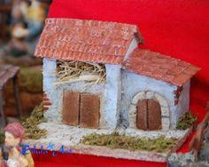 Silula Art: Casetta per presepe con fienile Miniture Things, Ideas Para, Gingerbread, Bird, Outdoor Decor, Christmas, Home Decor, Religious Art, Garden