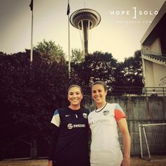 Hope Solo and Carli Lloyd Us Soccer, Play Soccer, Soccer Stuff, Soccer Girl Probs, Carli Lloyd, Hope Solo, Football Players, Strong Women, Olympics