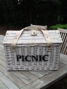 Love this picknick basket