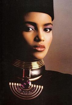 YSL Couture circa 1986 was ALL about purple - here are two amazing images of one of the master's Muses at the time, Kenyan Khadija Adams. 80s Fashion, Fashion History, African Fashion, Fashion Models, Fashion Beauty, Vintage Fashion, 90s Models, Vintage Dior, Bold Fashion