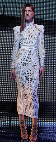 February 2016 This dress from the Balmain Resort 2016 Fashion Show reminds me of the details on dresses that were influenced by the art deco movement. The shapes at the bust and skirt are similar to those. The dress also has the skirt length of the EG Style Haute Couture, Couture Fashion, Runway Fashion, Womens Fashion, Fashion Trends, White Fashion, Love Fashion, Fashion Show, Fashion Design