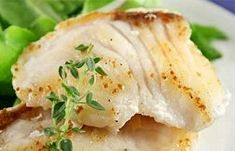Pan Fried Fish With Fresh Asian Herbs - Get this fish recipe and loads of other mint tips with our Diet Club! Perch Recipes, Fish Recipes, Seafood Recipes, My Recipes, Favorite Recipes, Healthy Low Calorie Meals, Low Calorie Recipes, Healthy Snacks, Healthy Recipes