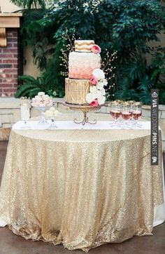 gold and pink cake table ideas | VIA #WEDDINGPINS.NET