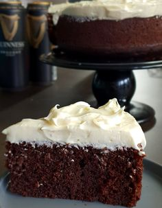 Chocolate Guinness Cake with Baileys Cream Cheese Frosting The perfect St. Cream Cheese Topping, Cream Cheese Frosting, Chocolate Guinness Cake, Chocolate Cake, Irish Cake, Irish Recipes, Cake Baking, Donegal, Cake Ingredients