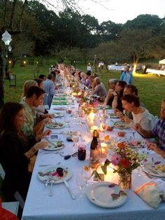 huge dinner table at quail hill farm. would love to do this (on a smaller scale, of course).