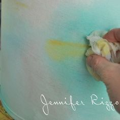 How to paint an artist's palette-inspired floral lampshade.