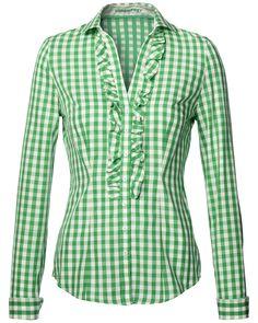 LODENFREY    Modische Damen-Bluse von LODENFREY in Grün-Weiß. Die Bluse in Karo-Dessin ist figurnah geschnitten und sorgt mit einer schmalen Rüschenspur an der Front und am Dekolleté entlang für einer besonders feminine Note. Die Bluse ist aus reiner Baumwolle gefertigt und eignet sich sowohl als Trachtenbluse, als auch als Bluse für den Alltag.