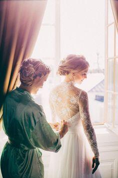 Elegance. Just LOVE this wedding and beautiful dress captured by David Schreiner #weddingdress #weddinginspiration #bride #beautiful #wedding #love